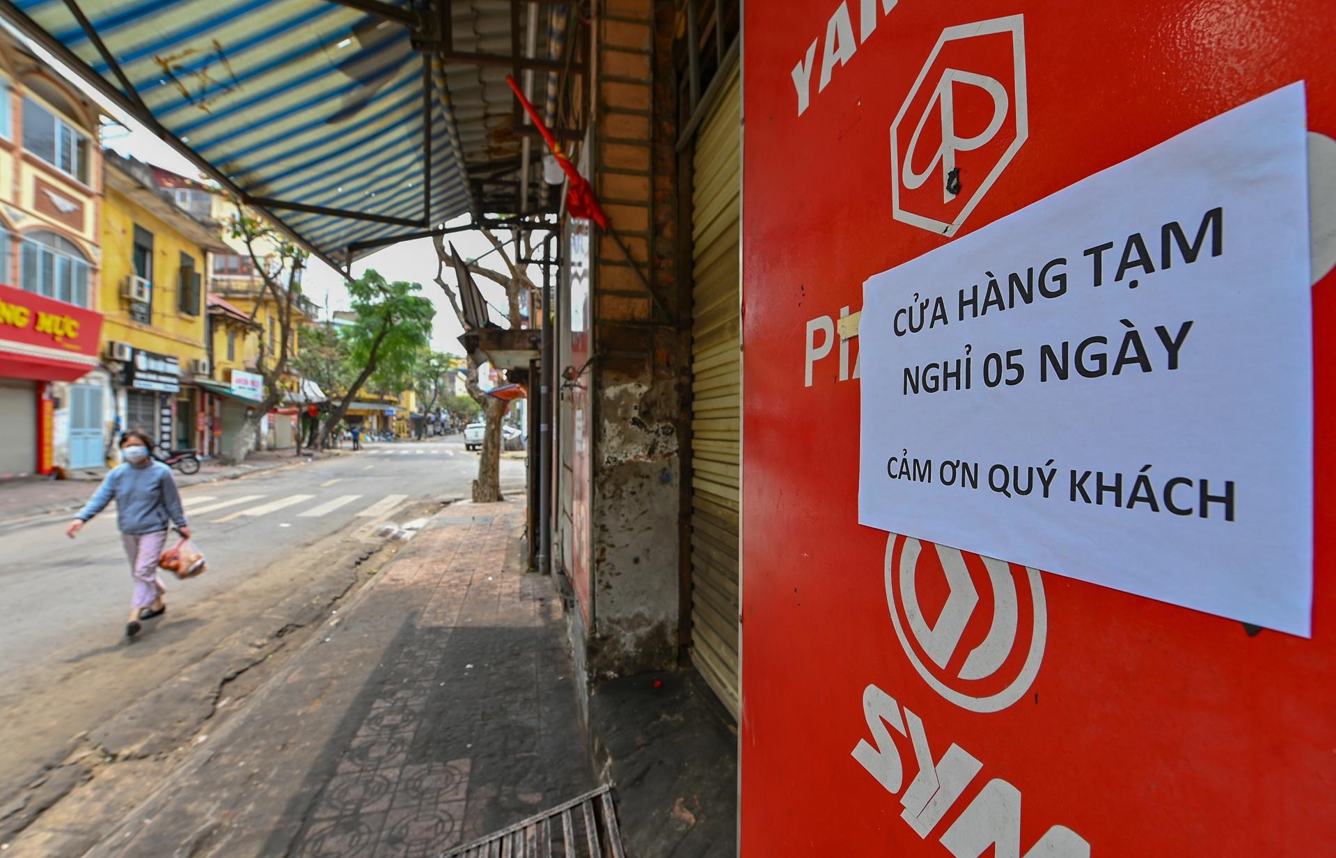 Duong pho Ha Noi vang nhu Tet vi dich Covid-19 hinh anh 5 hanoivangnhutet7_zing.jpg