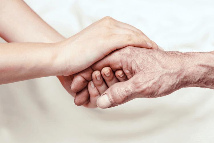 giúp người thân thoải mái nhận sự giúp đỡ