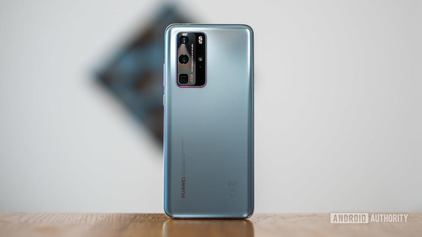 Huawei P40 Pro su dung linh kien My hinh anh 1 Huawei_P40_Pro_rear_cover_full_1340x754.jpg