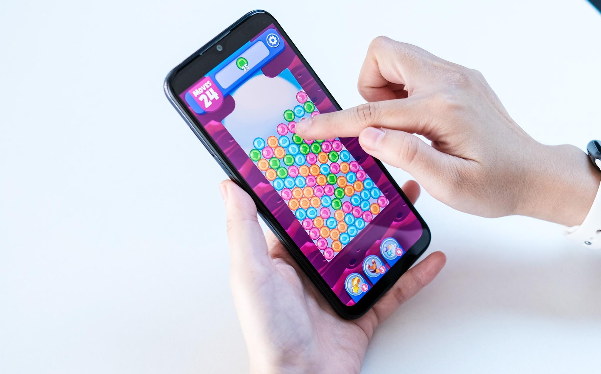 Loat smartphone duoi 3 trieu so huu man hinh lon, pin khoe hinh anh 1 joy.jpg