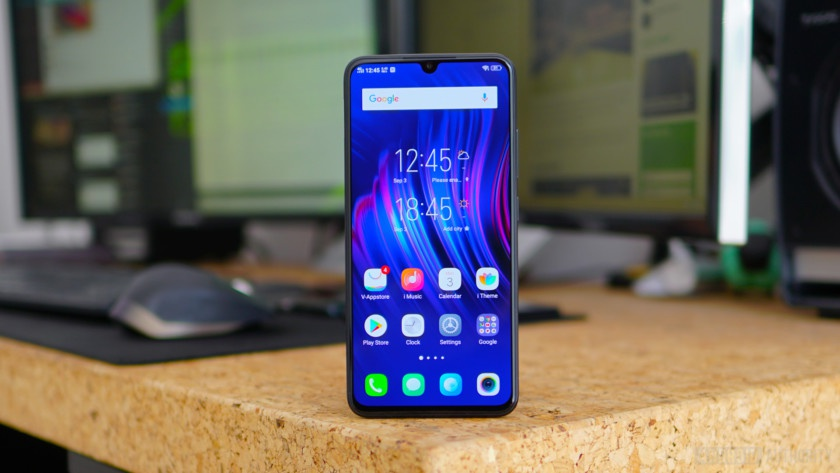 Loat smartphone duoi 3 trieu so huu man hinh lon, pin khoe hinh anh 7 Vivo_V11_review_home_screen_840x473.jpg
