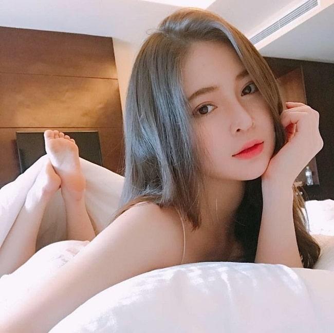 4 nữ sinh đẹp nhất Đà Nẵng: Có hai người giống hệt thần tiên Lưu Diệc Phi - 1
