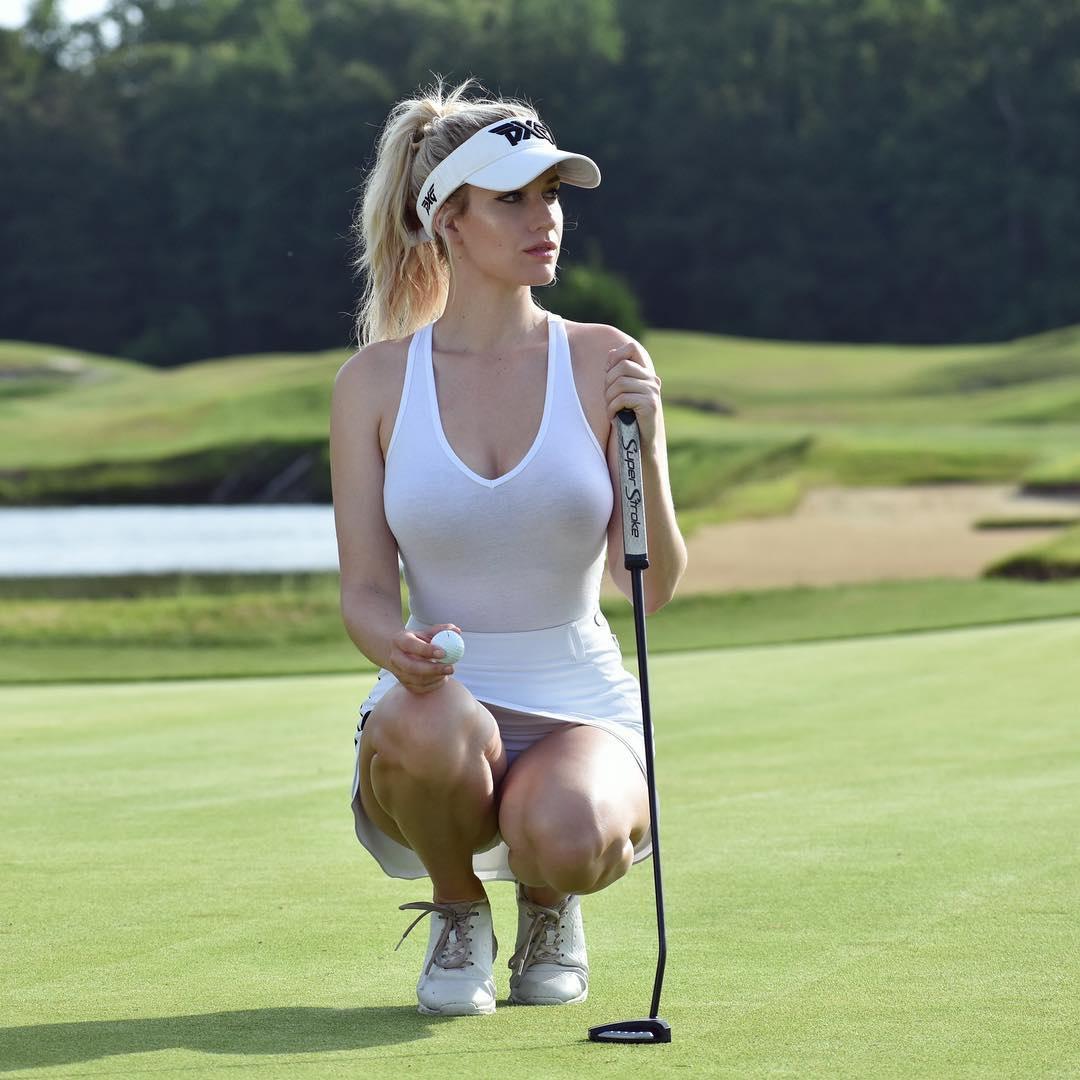 """Ngắm nữ golf thủ xinh đẹp đang gây """"bão"""" cho người hâm mộ - 2"""