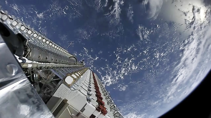 Du an Starlink cua SpaceX de doa nganh vien thong the gioi anh 1