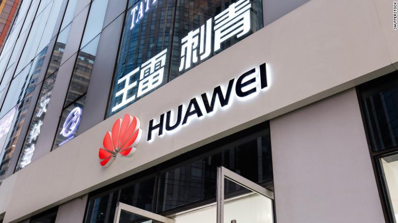 Huawei khó trở thành nhà cung cấp 5G hàng đầu trên thế giới nếu tiếp tục bị các quốc gia châu Âu ra lệnh cấm. Ảnh: CNN.