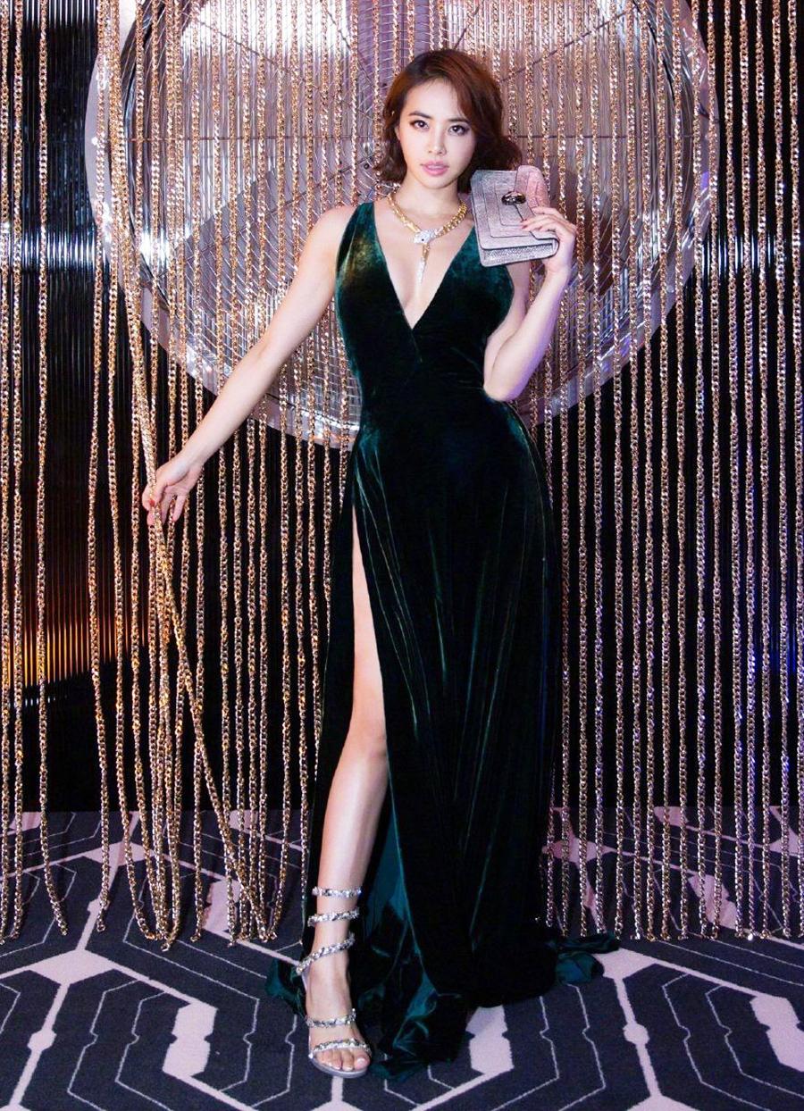 Ca sĩ tại sự kiện thuộc Tuần lễ thời trang Milan. Thái Y Lâm sinh năm 1980, là nữ ca sĩ thành công nhất xứ Đài. Cô nhiều năm dẫn đầu danh sách ca sĩ kiếm nhiều tiền nhất Đài Loan. Ngoài giọng hát tốt, cô có vũ đạo đẹp mắt, với sở trường múa cột.