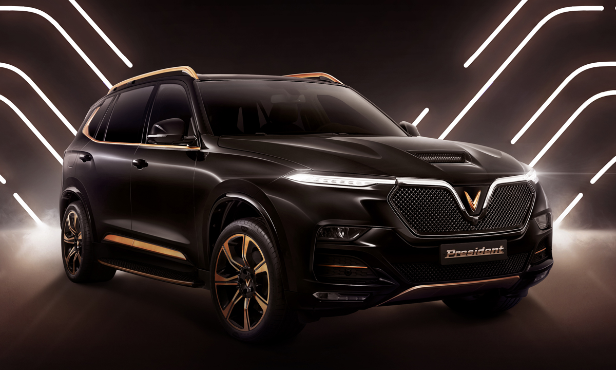 Mẫu SUV mới President với ngoại hình vuông vức, tông đen và điểm nhấn tương phản màu vàng đồng. Ảnh: VinFast
