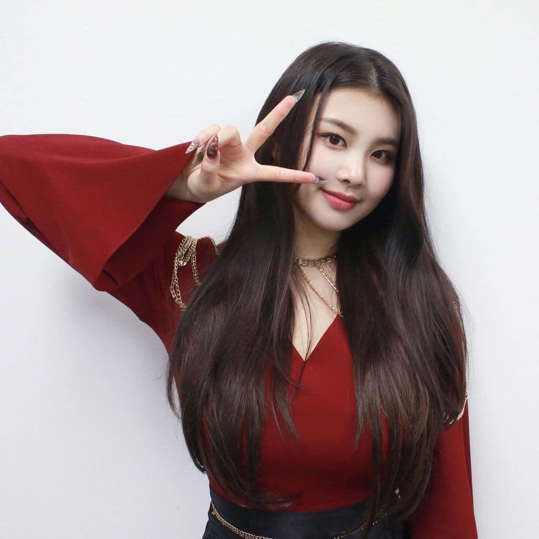 Nu idol Han bi miet thi ngoai hinh,  Swan,  Purple Kiss anh 14